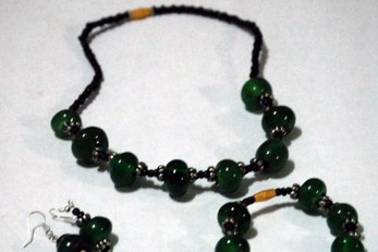 Ejo Hazaza Recycled Glass Bead Project